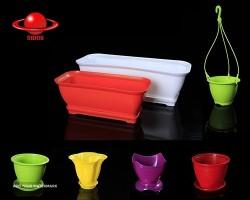 تولید و پخش انواع گلدان پلاستیکی
